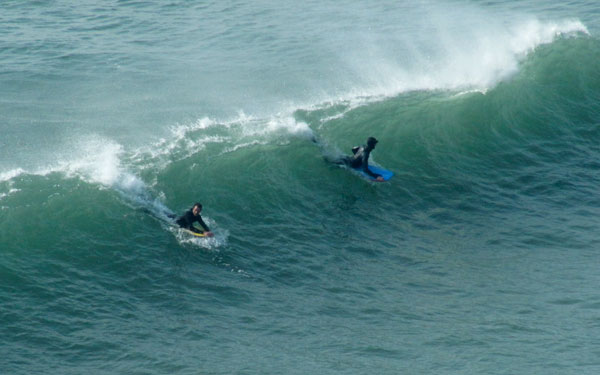 surfers