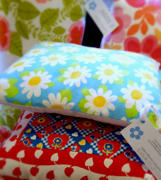 Modflowers cushions